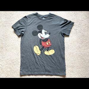< Mickey Mouse Disney Tee >